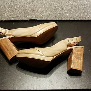 Fossil shoes with peep toe